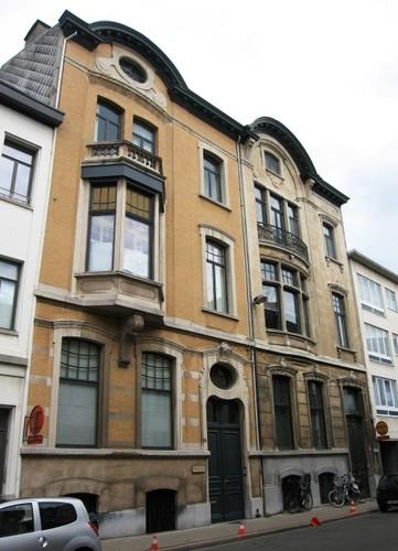 Antwerpen_Van_Schoonbekestraat_94-96_medium (1).jpg