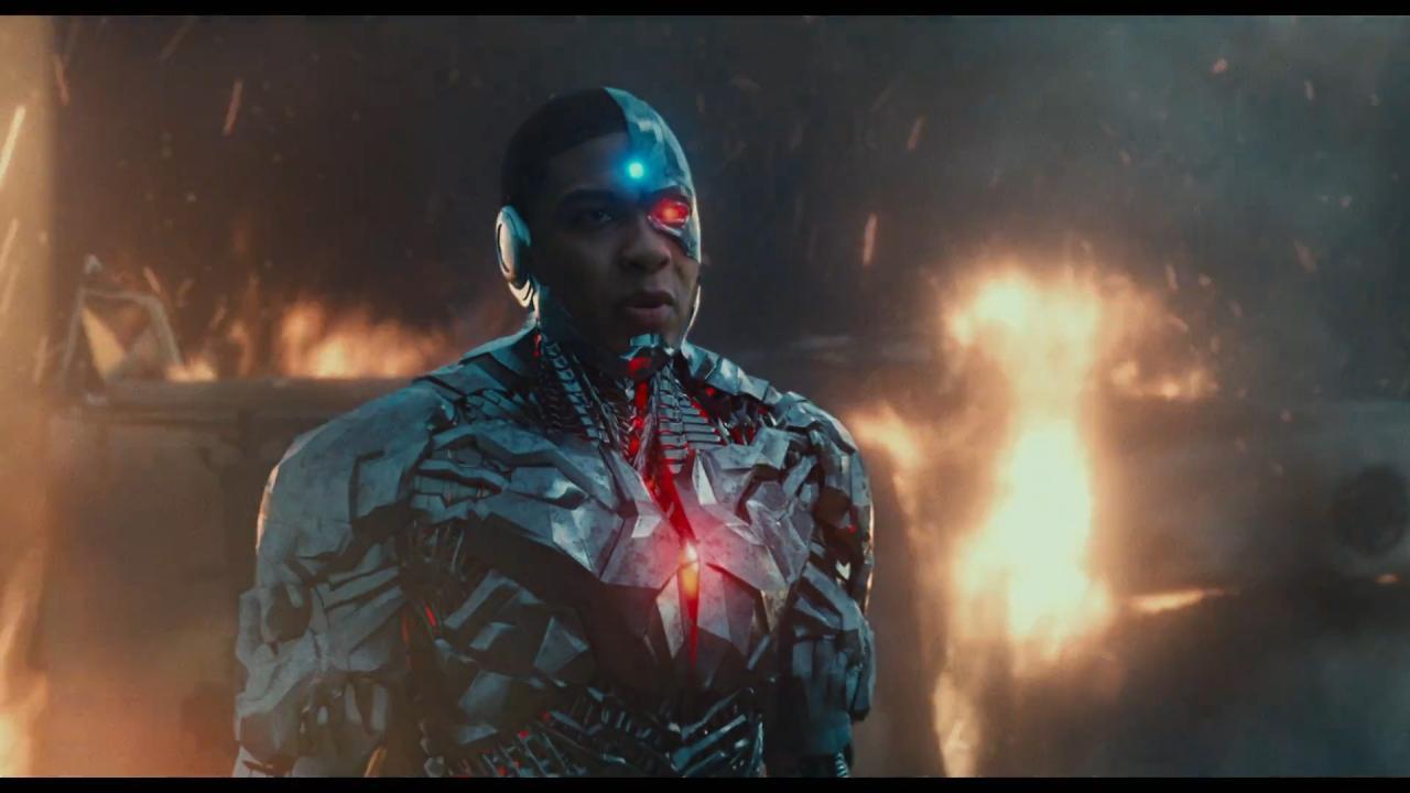 JUSTICE-LEAGUE-Official-Trailer-11264-cyborg.jpg