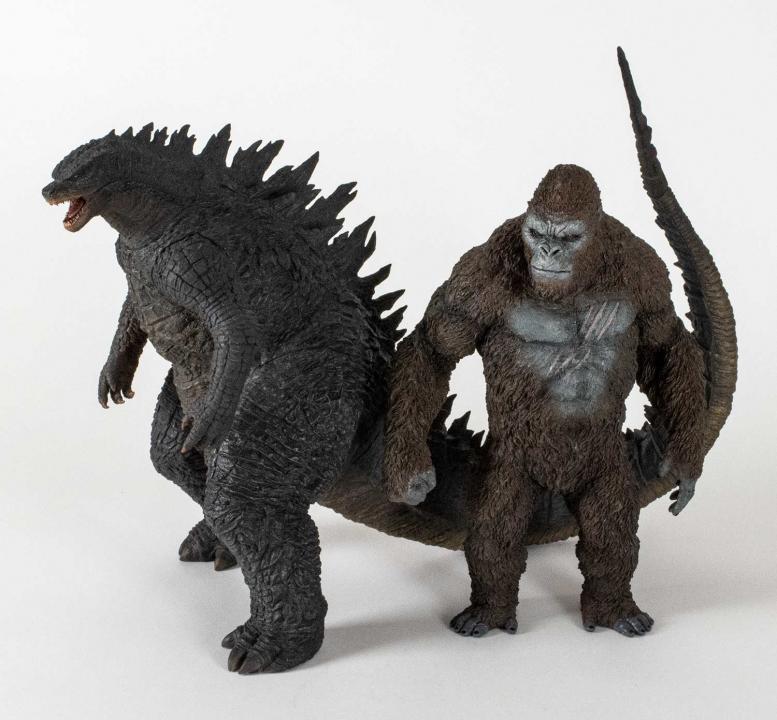 KaijuAddicts-30-Kong-with-30Godzilla2014-Big.jpg