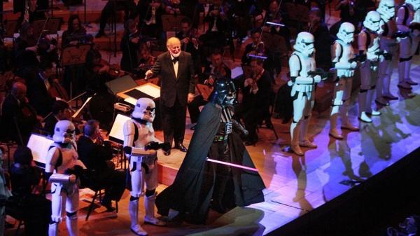 la-et-cm-philharmonic-opening-gala-2014-photos-003